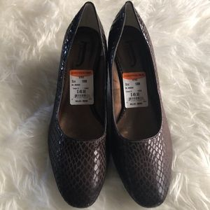 Nwt J. Renee brown leather snakeskin heels shoes for sale